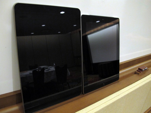 Samsung Galaxy Tab 10.1 has a better display than iPad 2